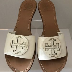 TORY BURCH WHITE PATENT LEATHER SLIDE-SZ 8.5